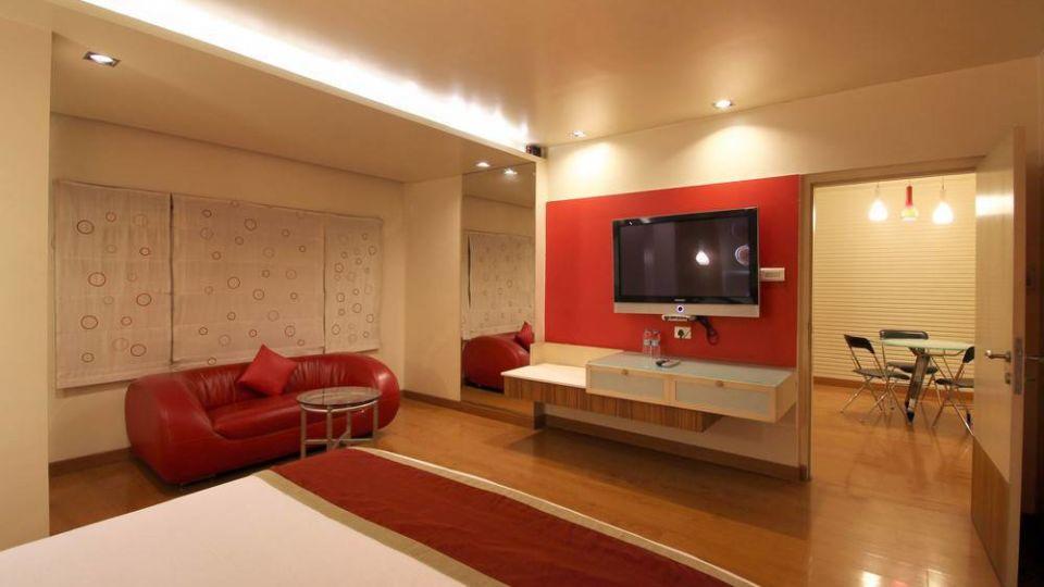 Taj Tri Star Hotel Suites 02