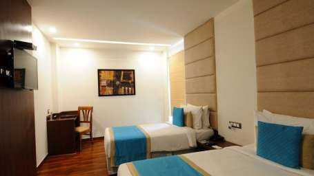 Executive Room- Twin Bed Hotel Ascent Biz Noida