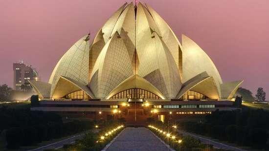 lotus-temple-delhi-india u-l-q10fbtp0