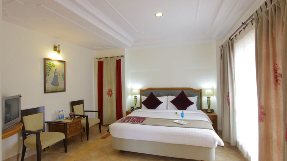 Hotel rooms in Shimla Superior Rooms Hotels in Shimla, Marigold Sarovar Portico, luxury hotels in shimla wsega