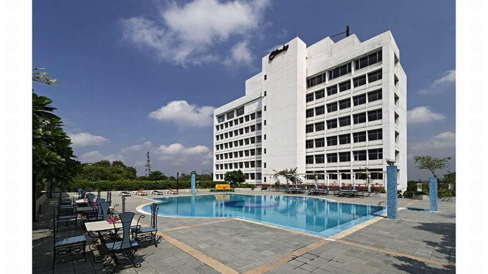 Poolside Clarks Avadh, hotel near gomti river in Lucknow, Luknow Hotel