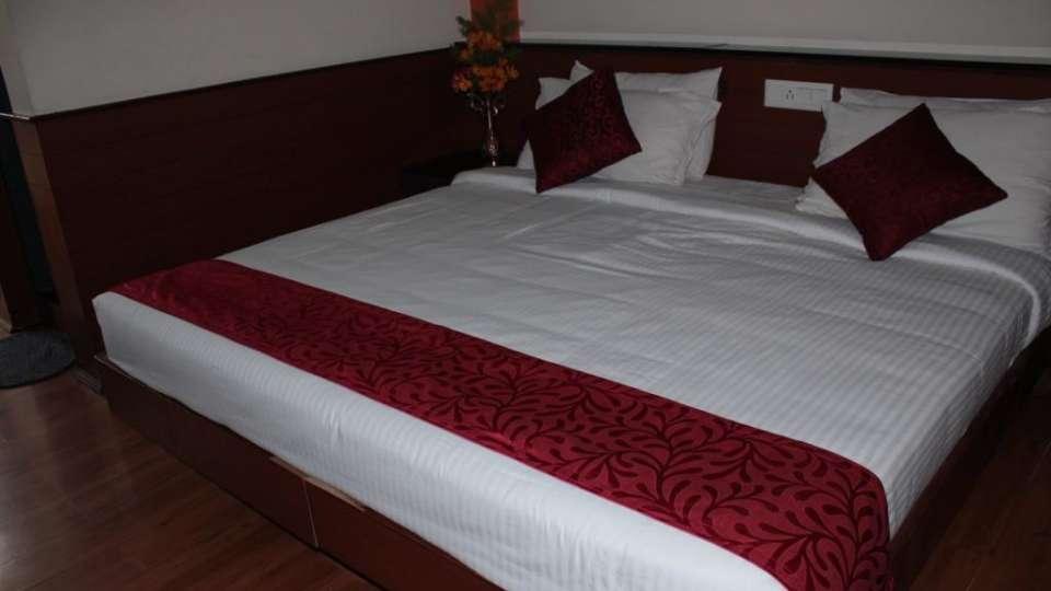 Jayaraj Residency, Kodaikanal  Deluxe Room Jayaraj Residency Kodaikanal 16