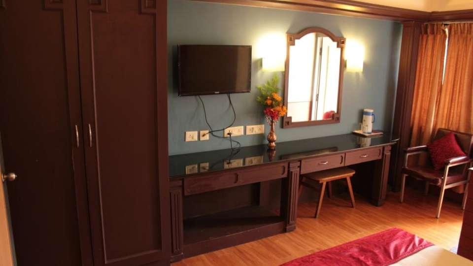 Jayaraj Residency, Kodaikanal  Deluxe Room Jayaraj Residency Kodaikanal 8