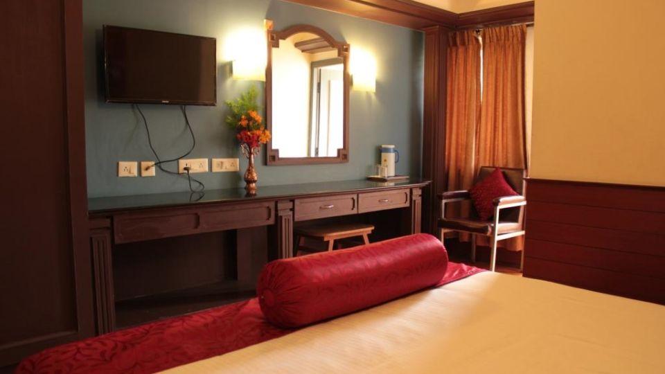 Jayaraj Residency, Kodaikanal  Deluxe Room Jayaraj Residency Kodaikanal 3