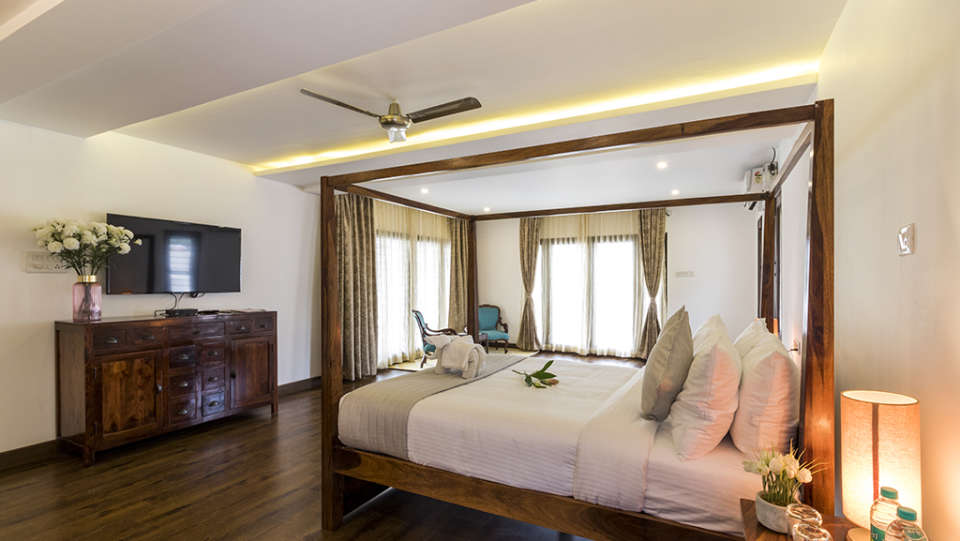 Rooms at The Bougain Villa Hotel in Bangalore near to MG Road 10