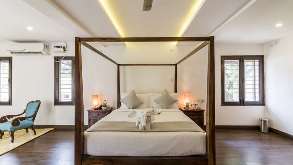 Rooms at The Bougain Villa Hotel in Bangalore near to MG Road 12