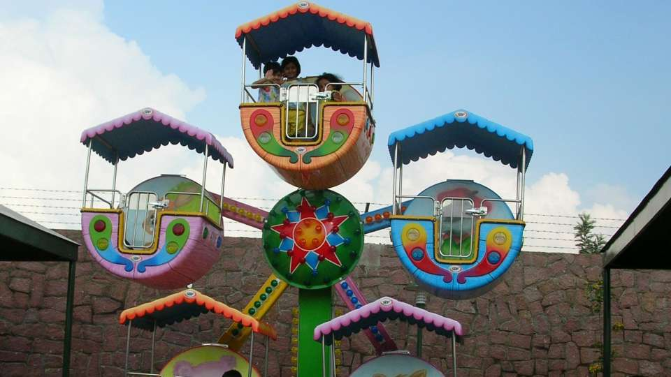 Kids Rides - Kiddies Wheel at  Wonderla Amusement Park Bangalore