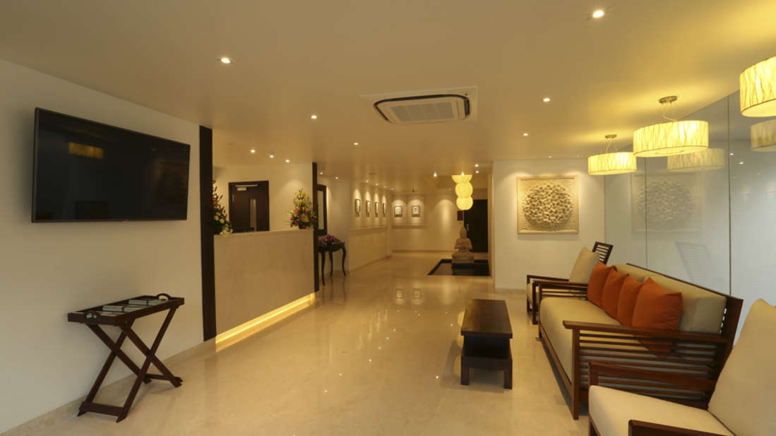 Reception of Temple Tree, Business Hotel In Wilson Garden, Hotel Near Lalbagh 3