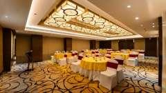 Hall Garnet Crystal Sarovar Premium Agra