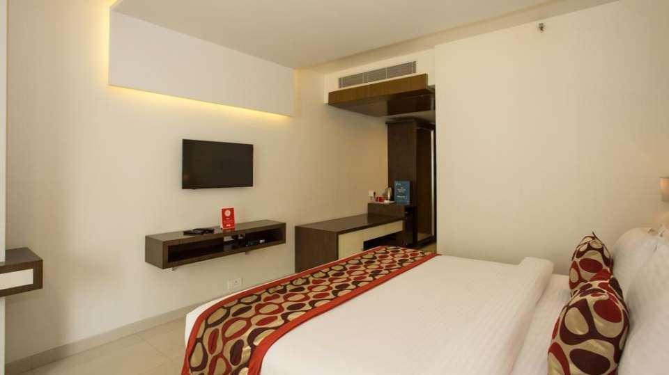 Deluxe Room Double Bedding 1