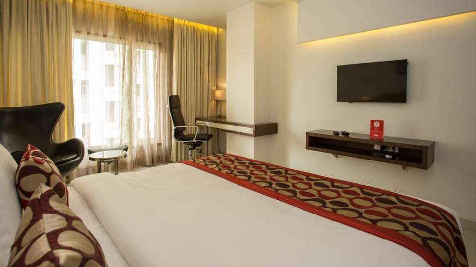 Deluxe Room Double Bedding 4