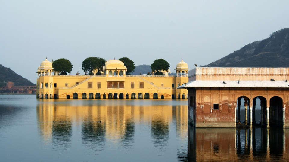 Jal Mahal Nirwana Hometel Jaipur
