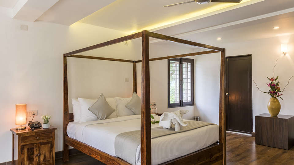 Rooms at The Bougain Villa Hotel in Bangalore near to MG Road 11