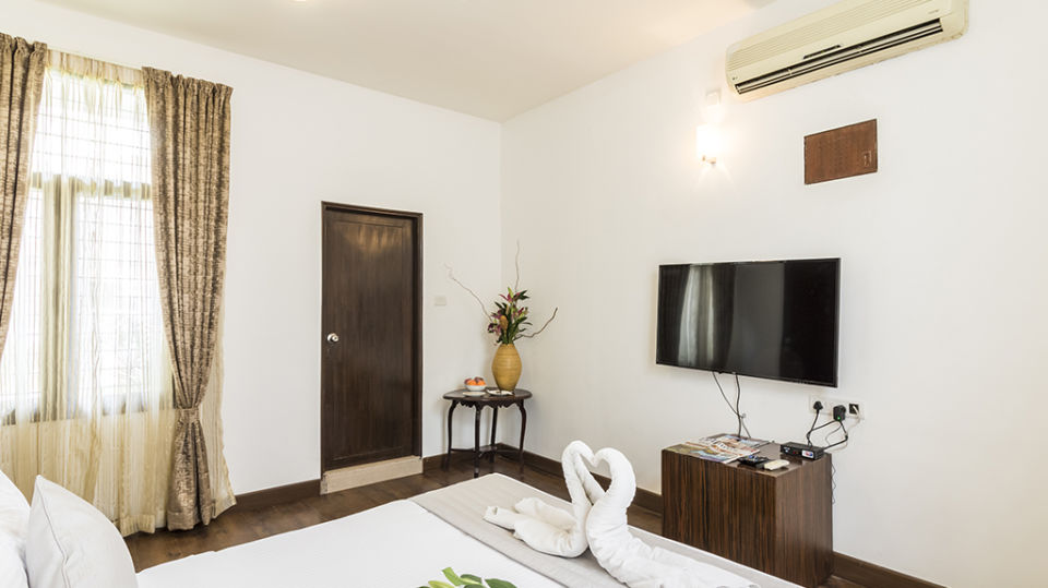 Rooms at The Bougain Villa Hotel in Bangalore near to MG Road 4
