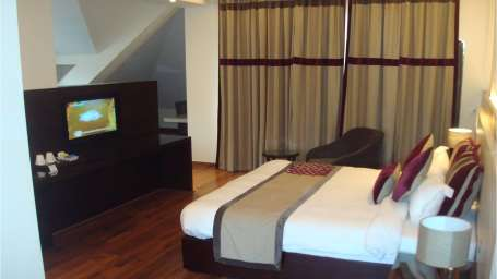 Suites in Mashobra Hotels in Shimla, Marigold Sarovar Portico,  best hotels in shimla