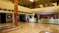 Lobby Taurus Sarovar Portico New Delhi