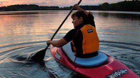 Kadavil Lakeshore Resort, Alappuzha Alappuzha Kayaking Kadavil Lakeshore Resort Alappuzha