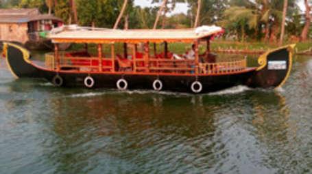 Kadavil Lakeshore Resort, Alappuzha Alappuzha Shikara Cruise Kadavil Lakeshore Resort Alappuzha