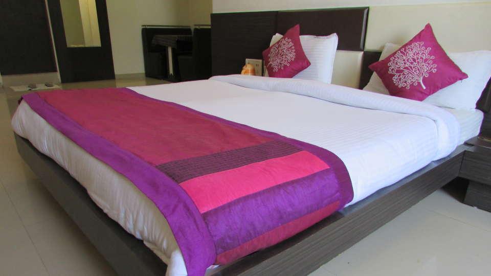 Hotel Skyland, Ahmedabad Ahmedabad Suite 3