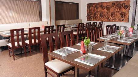 Multi Cuisine Restaurant Hotel Srm Grands Chennai