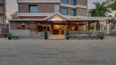 Cafe Vindhyas Front