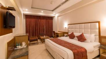 Super Deluxe Room, Hotel Pacific Dehradun, hotel rooms near the Clock Tower