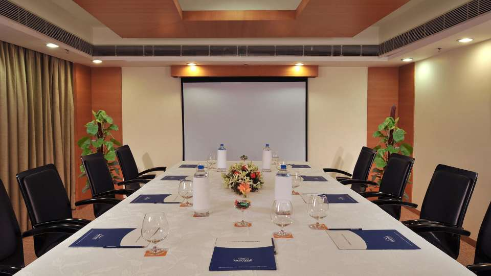 Meeting Room at Hometel Chandigarh, rooms in chandigarh