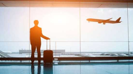 airport-terminal-lounge-plane-ISTOCK-1120