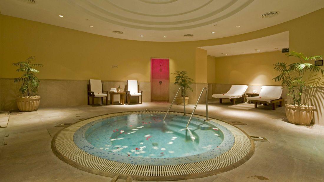 Spa , the grand hotel new delhi, Hotel with spa -1