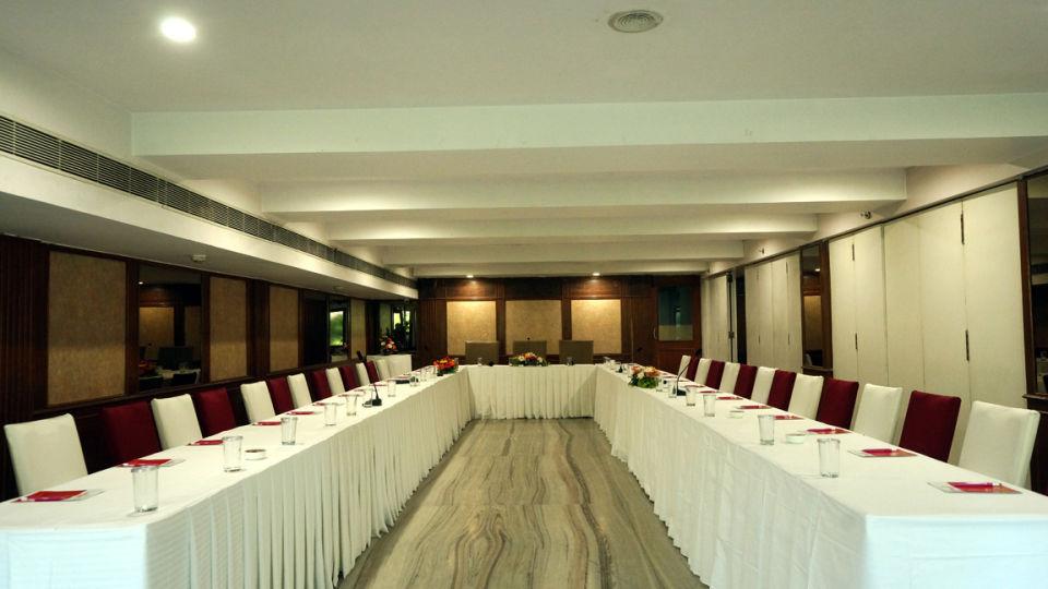 Daspalla Executive Court Vizag -TRIVENI HALL