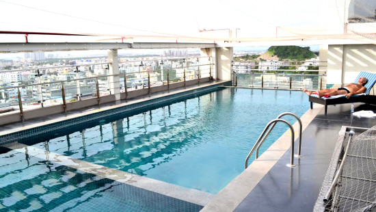Swimming pool at Daspalla Hotel Hyderabad 1 c7xmzv