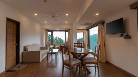 Suites Near Dehradun 3, Hotel Pacific Mussoorie, luxury hotel in Mussoorie