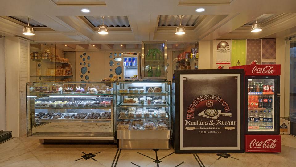 KK Beacon Hotel in RajkotRestaurant 2