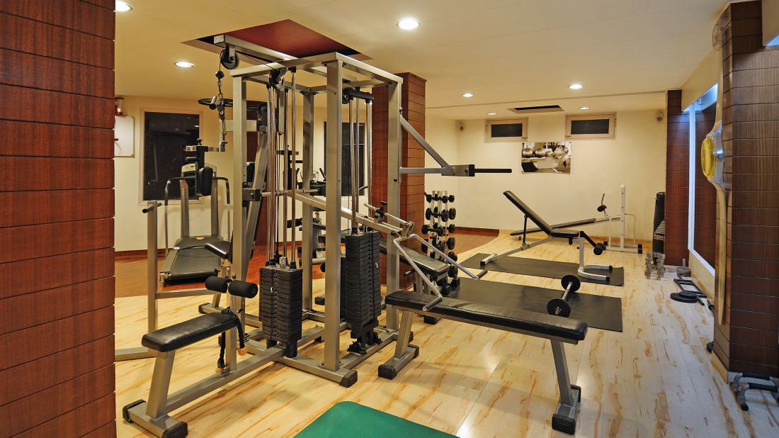 Renest River Country Resort  Manali Gym