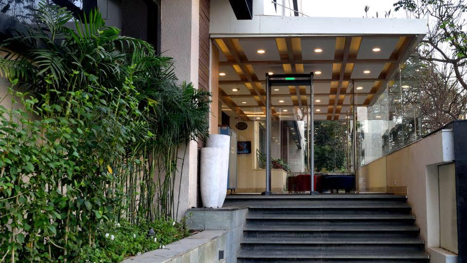 Entrance at RBD Sarovar Portico Bangalore, hotels in bangalore