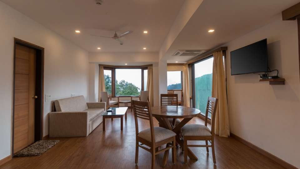 4 star hotel in Mussoorie  on Mall Road, Best hotel in Mussoorie, Hotel Pacific Mussoorie