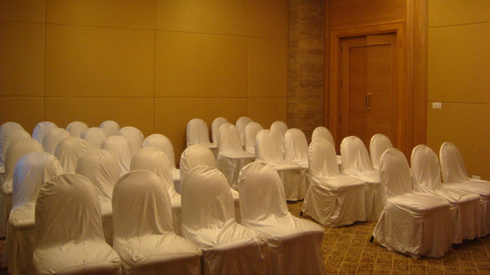 conference room chancery the orchid hotel mumbai vile parle - 5 star hotel near mumbai airport