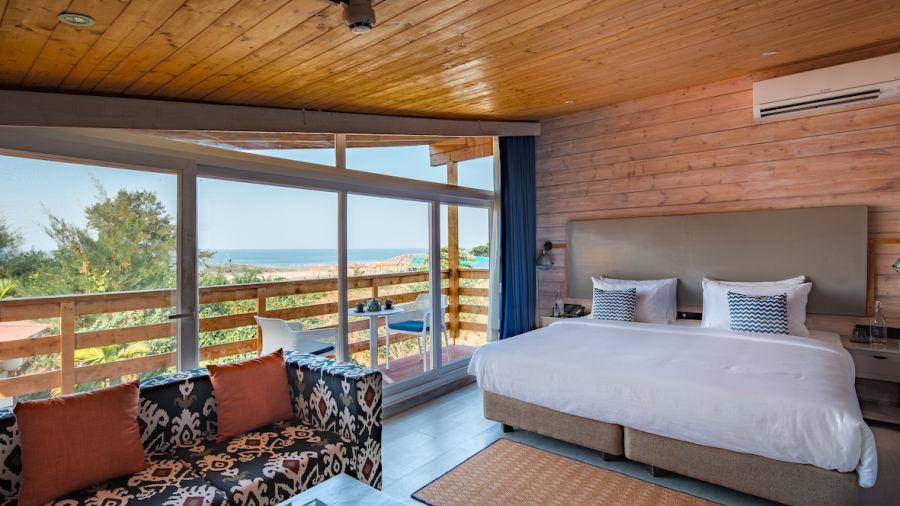 Living Room Chalet - The Living Room Beach Resort Morjim- 1st floor
