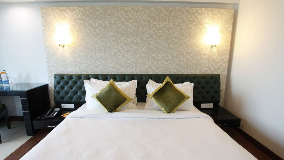 Deluxe Room Hotel Saffron Dehradun 2