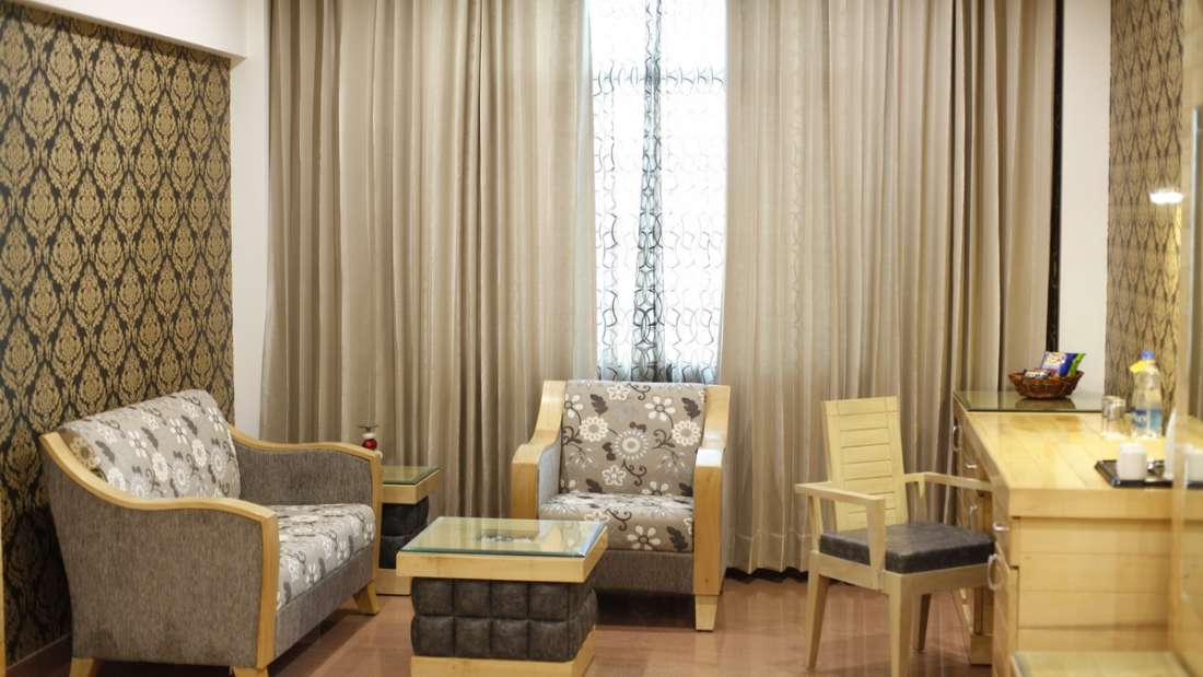 Executive Room Hotel Saffron Dehradun 2