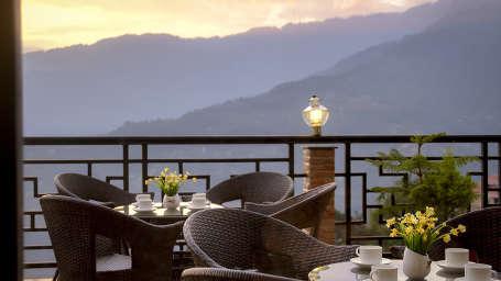 The Royal Oaks Hotel, Gangtok Gangtok Restaurant 2 The Royal Oaks Hotel Gangtok