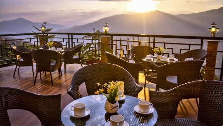 The Royal Oaks Hotel, Gangtok Gangtok Restaurant The Royal Oaks Hotel Gangtok