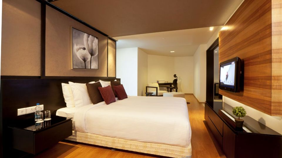 Deluxe Rooms at Davanam Sarovar Portico Bangalore, Hosur Hotels in Bangalore 4
