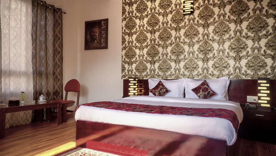 The Royal Oaks Hotel, Gangtok Gangtok Executive Room 1 The Royal Oaks Hotel Gangtok