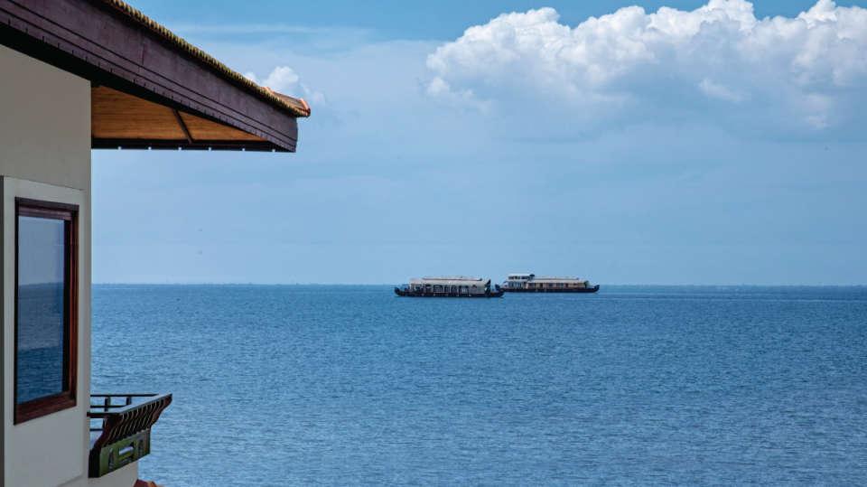 Houseboat-Niraamaya-Retreats-Kumarakom-2
