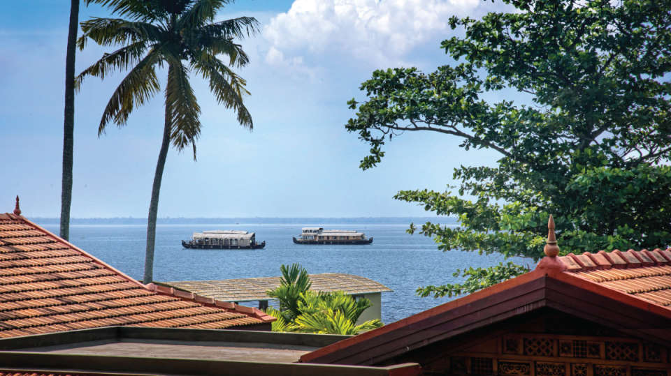Houseboat-Niraamaya-Retreats-Kumarakom