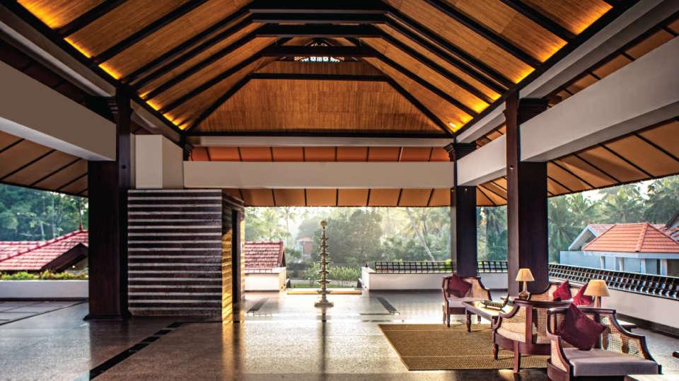 Reception-Niraamaya-Retreats-Backwaters-Beyond-Kumarakom-Luxury-Resort-Vembanad-Lake-2