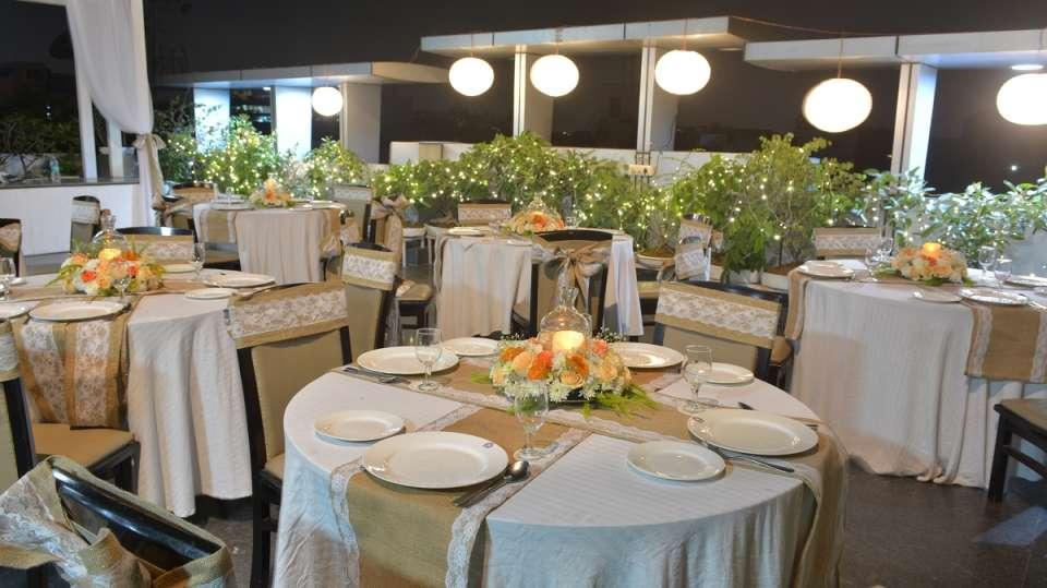 Restaurant near chittaranjan park Rockland In Hotel 2