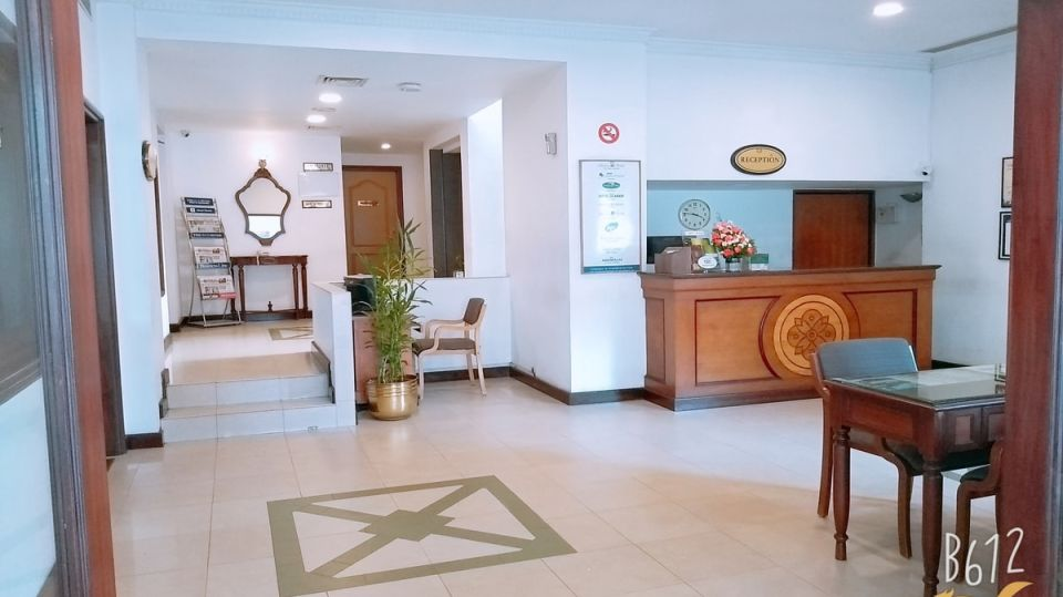 Reception area at our hotel in Cochin, Abad Metro, Kochi-1