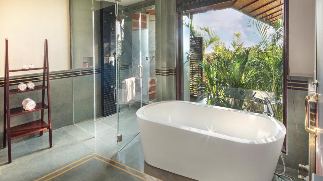 13 Bathroom of Premium Water Front Villa, Niraamaya Retreat Backwater and Beyond Kumarakom, Luxury resort in Kumarakom